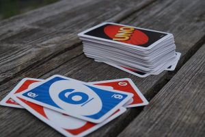 Uno card game
