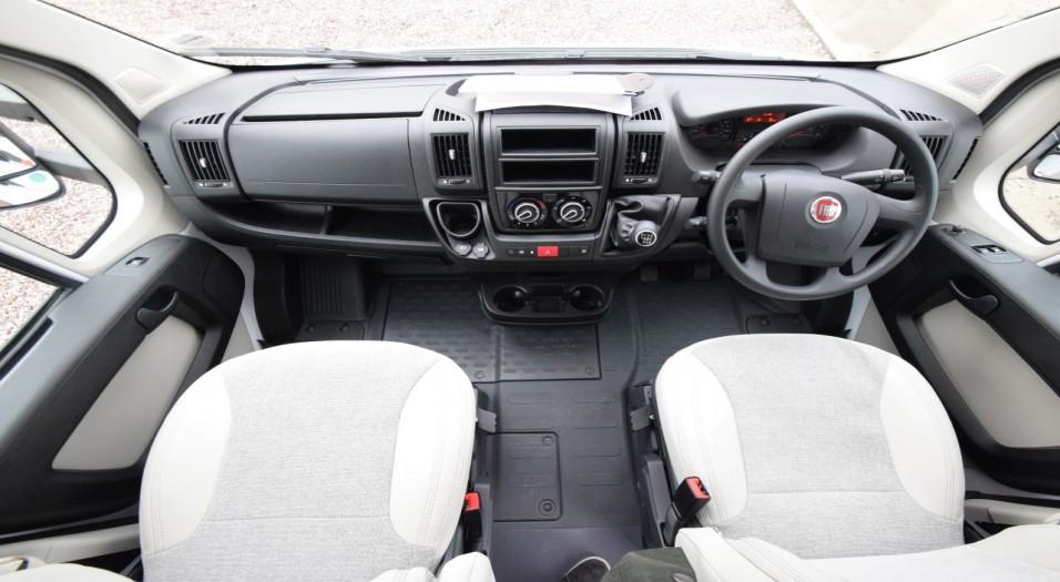 Carado I Serie 337 Interior Dashboard