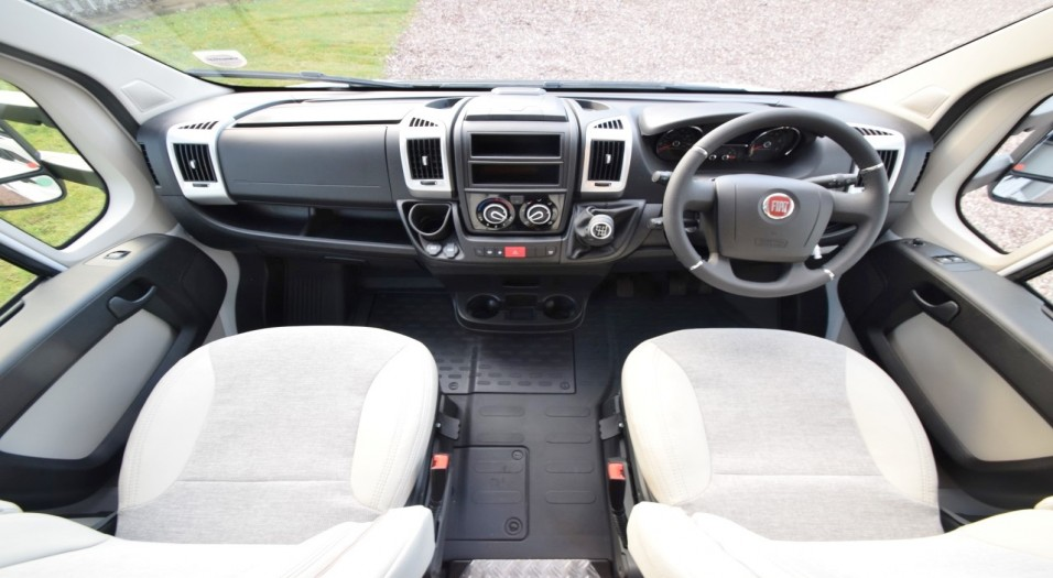 Carado T Serie 135 Interior Dashboard