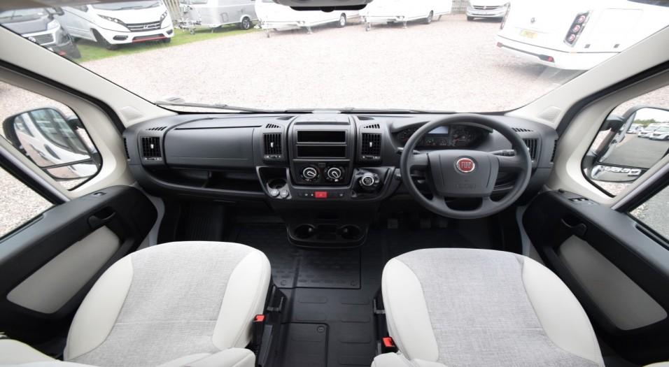 Carado Vlow V600 Interior Dashboard