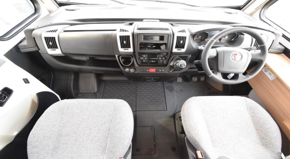 Dethleffs Globebus I1 Interior Dashboard