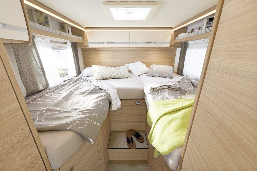 GlobebusGT T6 Dusche Rosario Cherry Quadro Bedroom