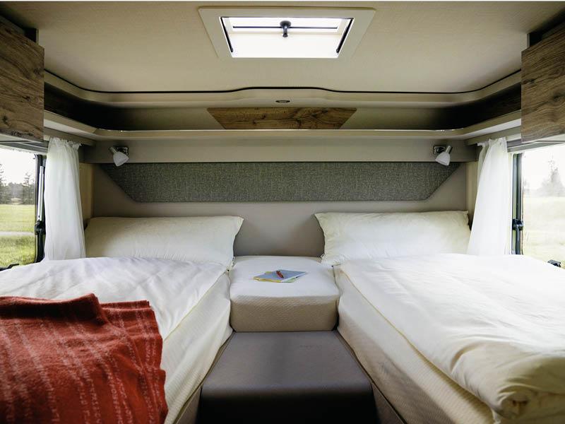 HYMER Exsis-i Rear Single Beds